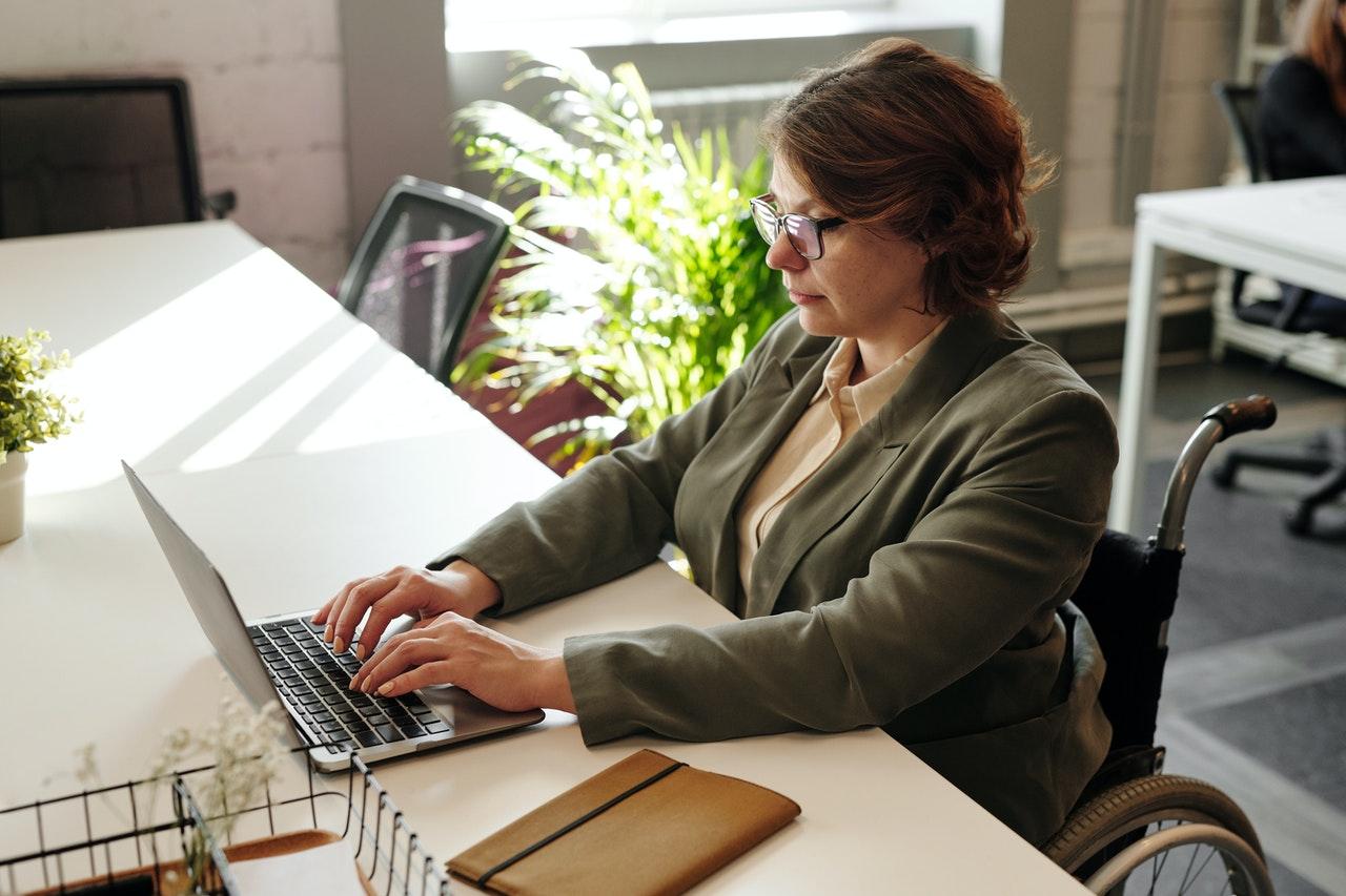 İşverenin haklı nedenle feshi